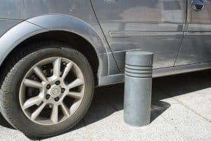 איך נמנעים משפשוף רכב בחניה